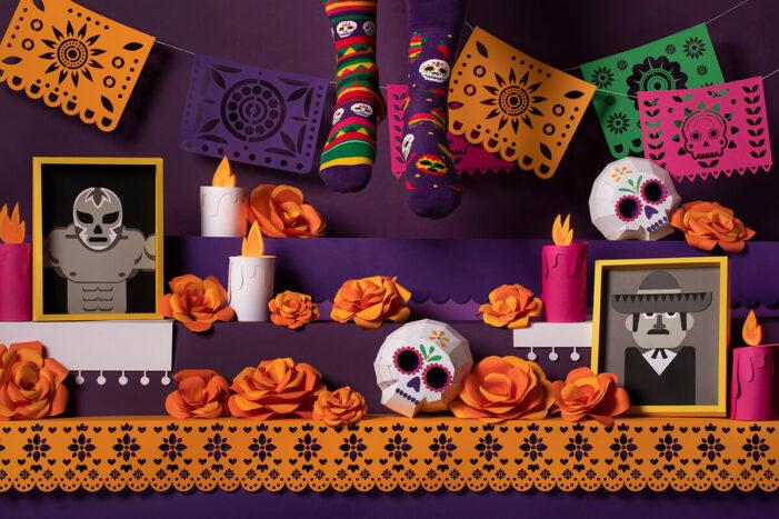 mexican muertos skull socks